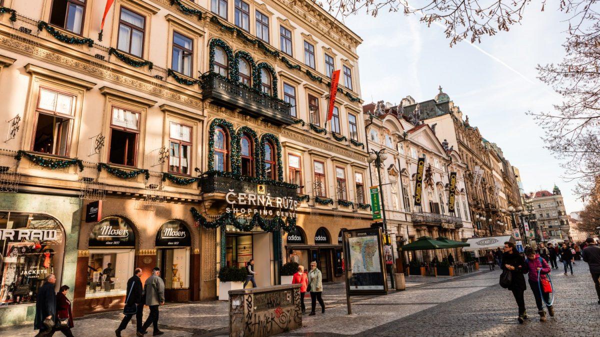 Panduan Fashion Lover ke Praha